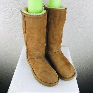 Ugg Classic tall boots sheepskin lining size 7
